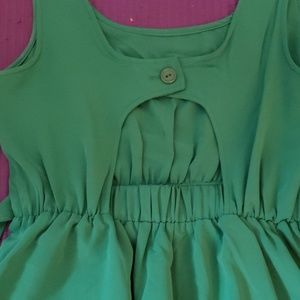 xxi Dresses - Green dress with open back
